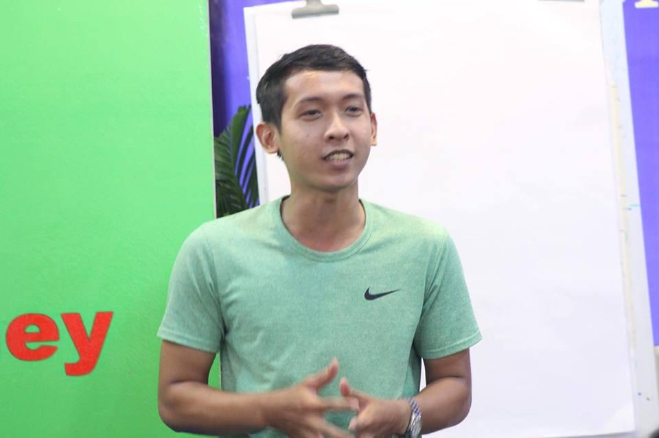 Chào bạn! Tôi là Nguyễn Tôn Quốc Tín.
