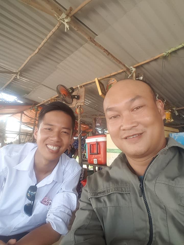Anh Trần Thanh Hoàng cùng Khách Hàng