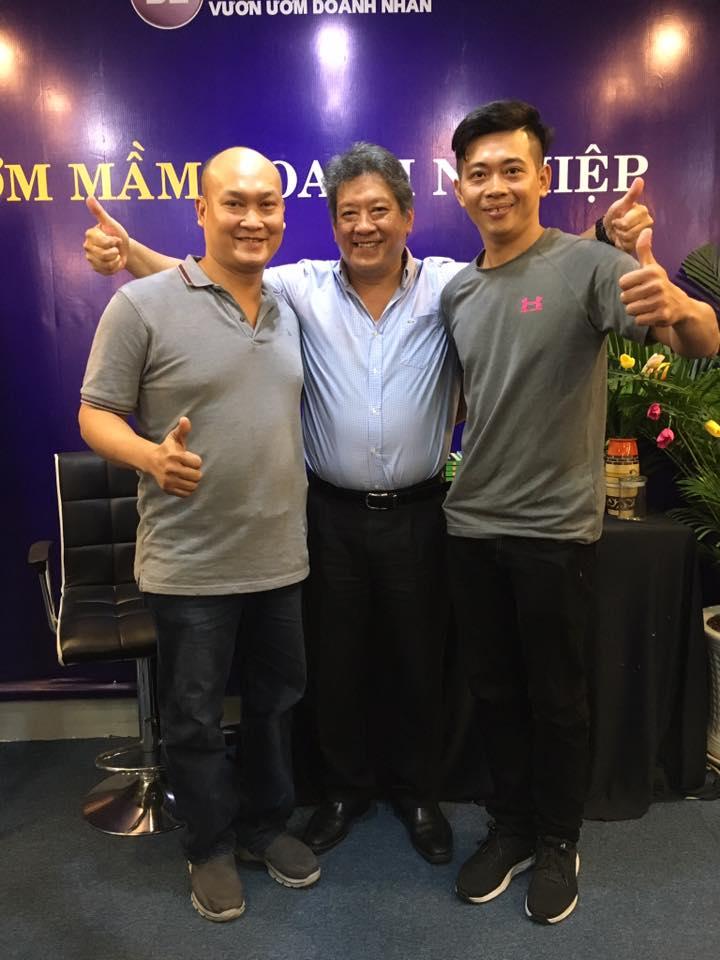 Anh Trần Thanh Hoàng cùng doanh nhân Pháp tại BETRAINING