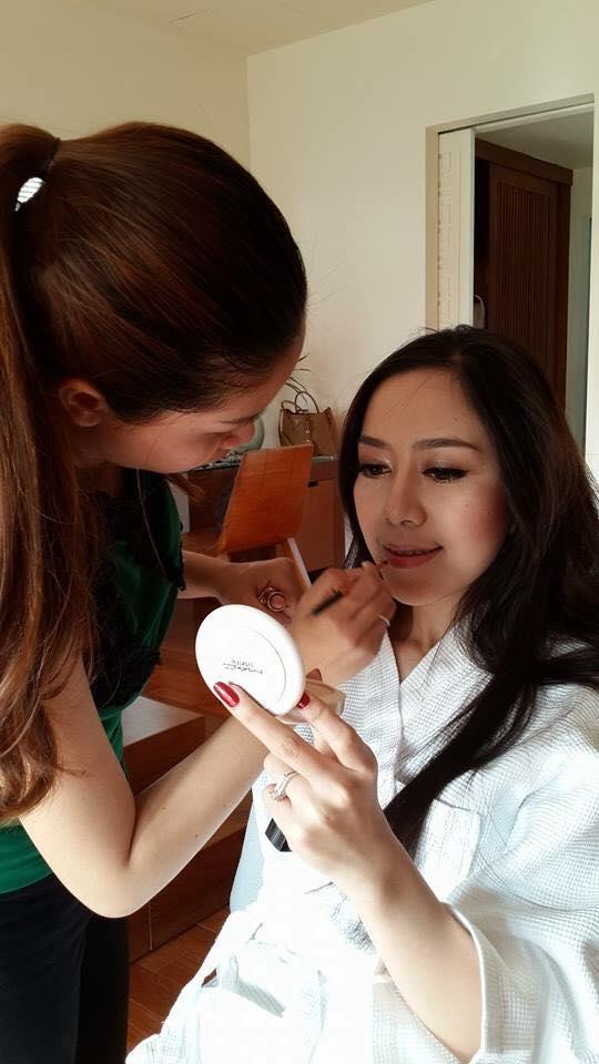 Chị Hà Mai Quỳnh Anh cùng Khách Hàng
