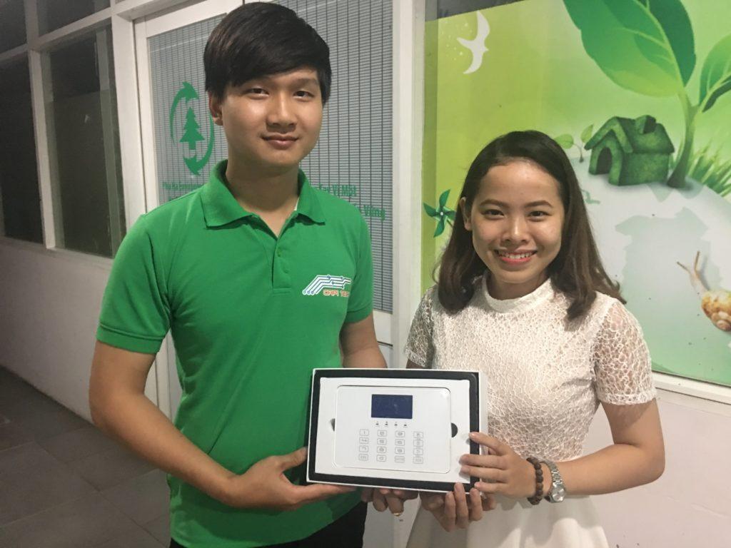 Anh Huỳnh Văn Nhi cùng Khách Hàng