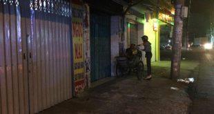 Phát cơm cho người vô gia cư tphcm