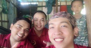 Nguyễn Tôn Quốc Tín cùng anh Đổng Duy Công và ca sĩ Lâm Hàn Phong