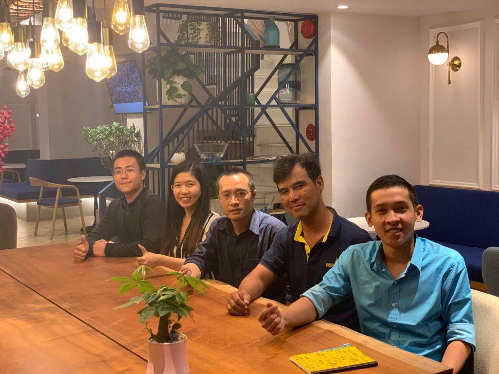 Nguyễn Tôn Quốc Tín và các thành viên của nhóm Warrior of 4.0