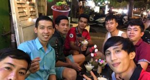 Nguyễn Tôn Quốc Tín cùng bạn bè