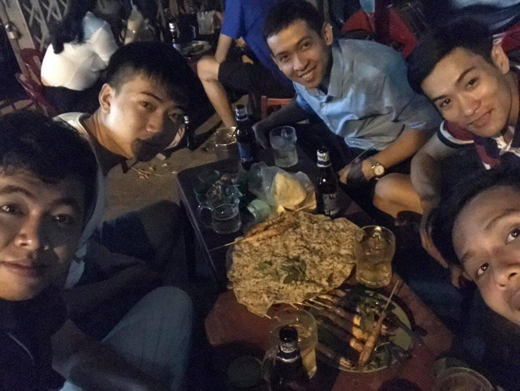 Nguyễn Tôn Quốc Tín và bạn bè