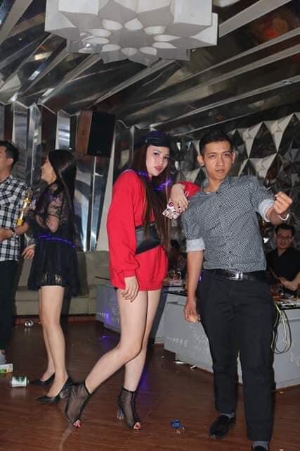 Họp lớp cấp 2 trường THCS Nguyễn Huệ