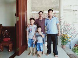 Anh Nguyễn Hoàng Lộc cùng gia đình