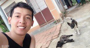 Nguyễn Tôn Quốc Tín cùng 2 bạn cún ở nhà Nội