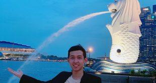 Nguyễn Tôn Quốc Tín trong chuyến du học Singapore.