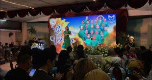 Ca sĩ Tóc Tiên tại chương trình thiện nguyện Viết Tiếp Ước Mơ cho bệnh nhi nghèo.