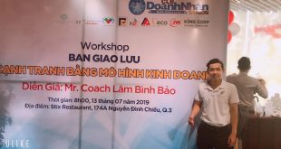 Nguyễn Tôn Quốc Tín tại buổi workshop của câu lạc bộ Doanh Nhân Sài Gòn