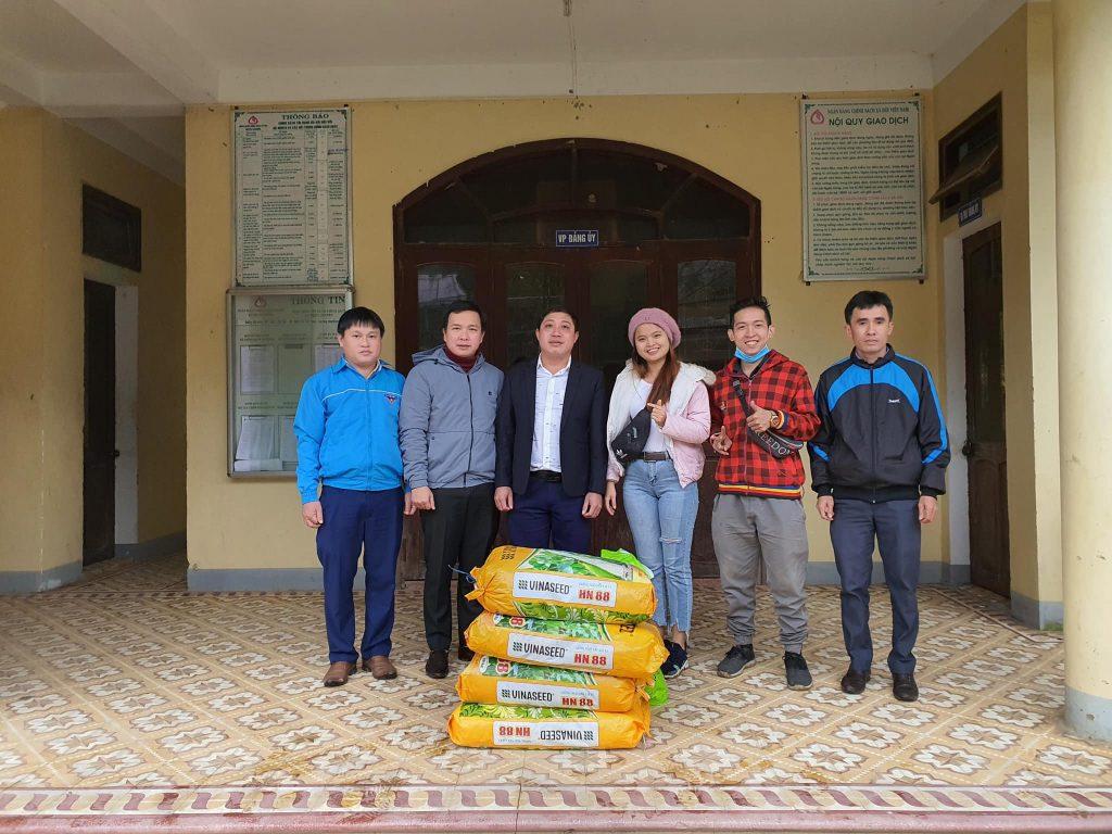Hỗ trợ bắp giống cải tạo đất cho bà con xã Triệu Nguyên, tỉnh Quảng Trị